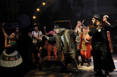 Das Geheimnis des Edwin Drood, Musical - Benjamin Geipel als Durdles