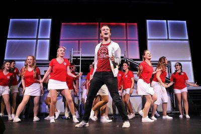 Footloose, Musical - Niklas Schliesmeier als Ren Mc Cormack